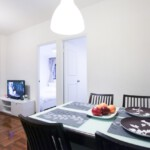 2 bedrooms apartment in Fortress Hill with tv, dining table