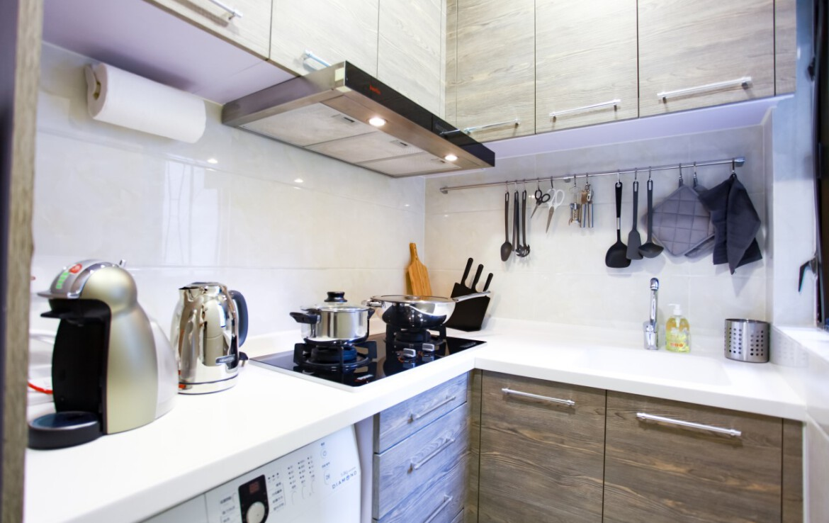 Small modern kitchen in 1 bedroom apartment Tai Hang