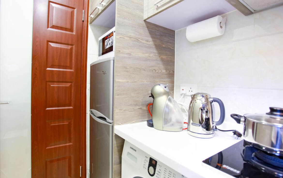 1 bedroom apartment in Tai hang with kitchen set and washer dryer