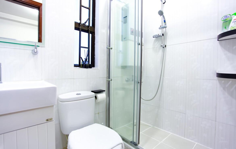 Apartment bathroom in Tai Hang
