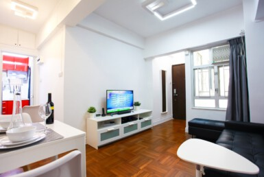2 bedrooms apartment in Tin Hau with sofa bed, tv, dining table