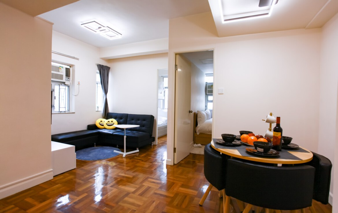 2 bedrooms apartment in Fortress Hill with TV, dining table and Sofa Bed