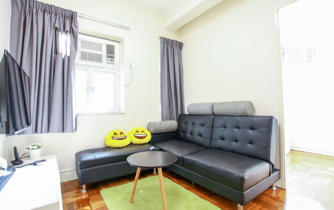 2 bedrooms apartment in Fortress Hill with sofa bed, tv, coffe table
