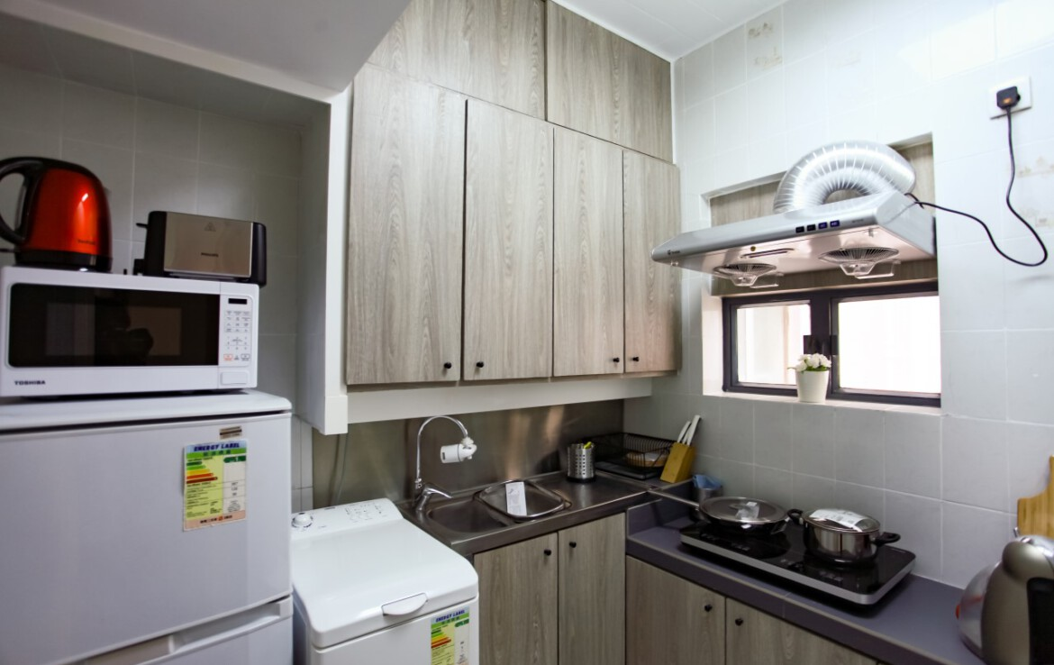 Modern kitchen in 2 bedrooms apartment Fortress Hill