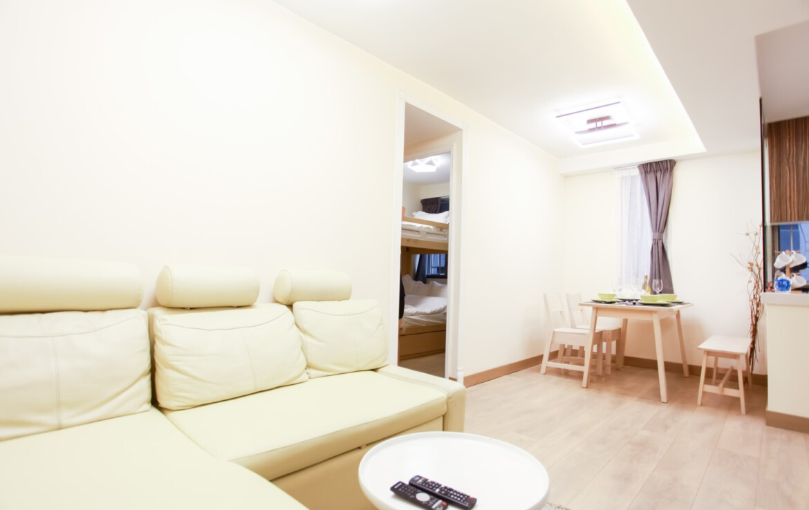 2 bedrooms apartment in Fortress Hill with dining table and Sofa Bed