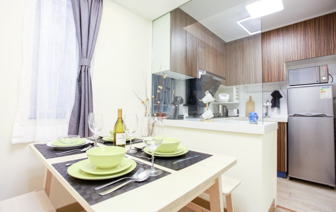 2 bedrooms apartment in Fortress Hill with semi open Kitchen