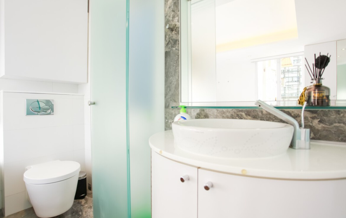 Modern Toilet in studio flat serviced apartment Fortress Hill